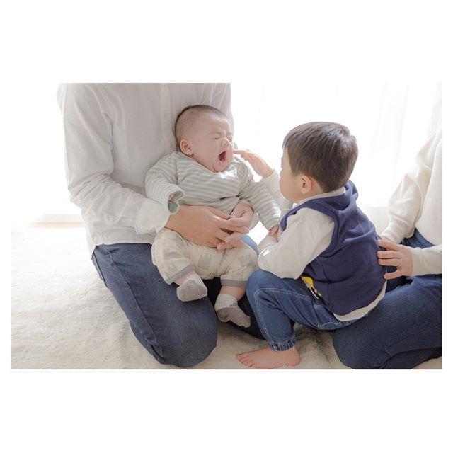 「2019.02.01」 . . かわいくてだいすきな ぼくのおとうとだよ☺︎ . . #babyphotography #familyphotography #ベビーフォト #ファミリーフォト #出張撮影 #ママカメラマン #3ヶ月baby #東京